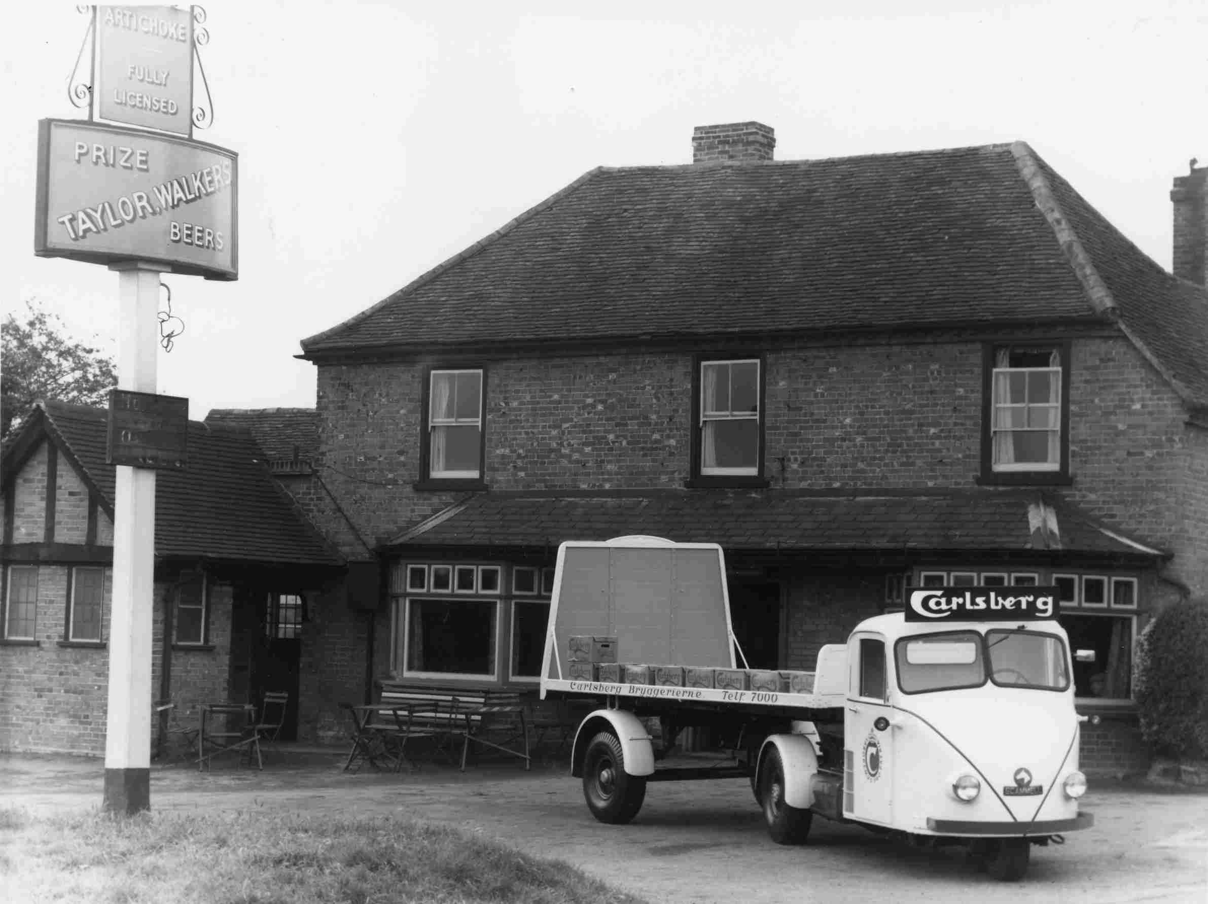 File Carlsberg Scarab 1950s Jpg Brewery History Society Wiki