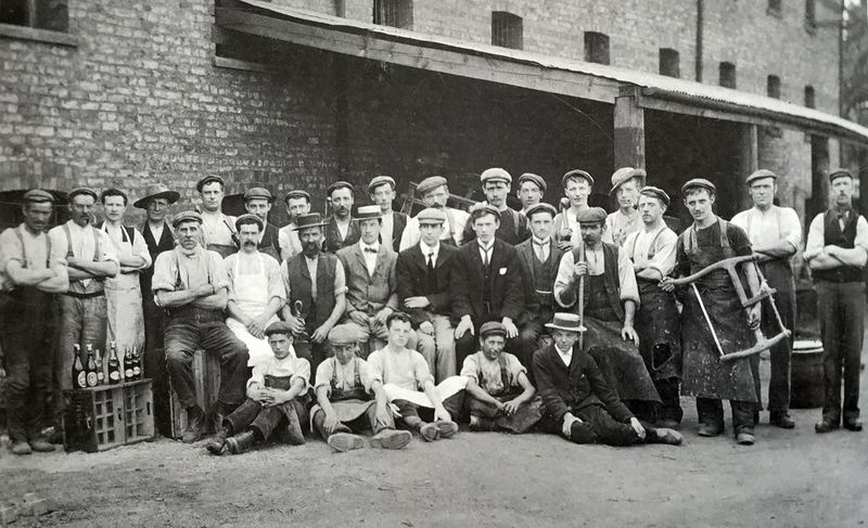 File:Thornton le Mor brewery staff.jpg