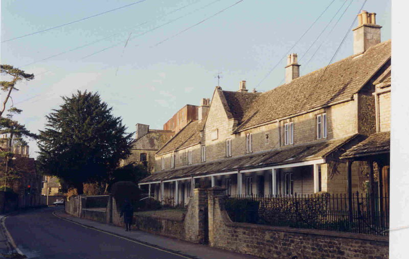 File:Bowly Cirencester 1994 Cottages.jpg